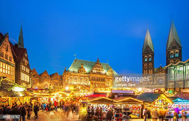 colorful bremen christmas market - bremen stock pictures, royalty-free photos & images