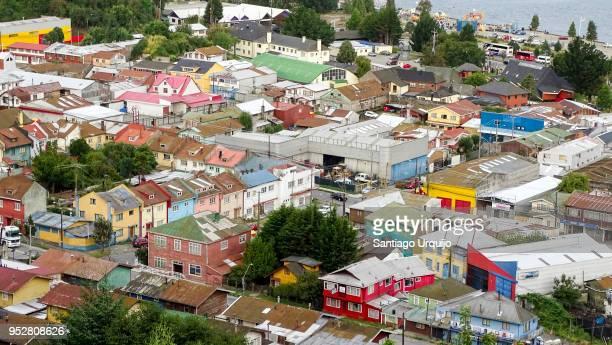 colorful buildings in puerto montt - puerto montt - fotografias e filmes do acervo