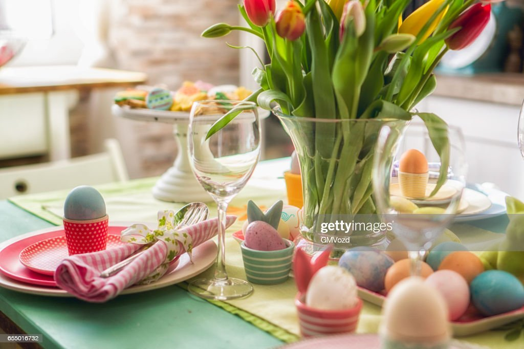 Colorful Decorated Easter Place Setting : Stock Photo