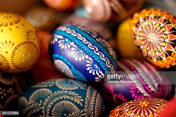 colorful easter eggs - easter egg foto e immagini stock