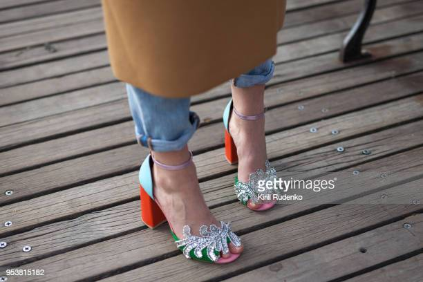 colorful fashionable women's footwear - talons hauts photos et images de collection