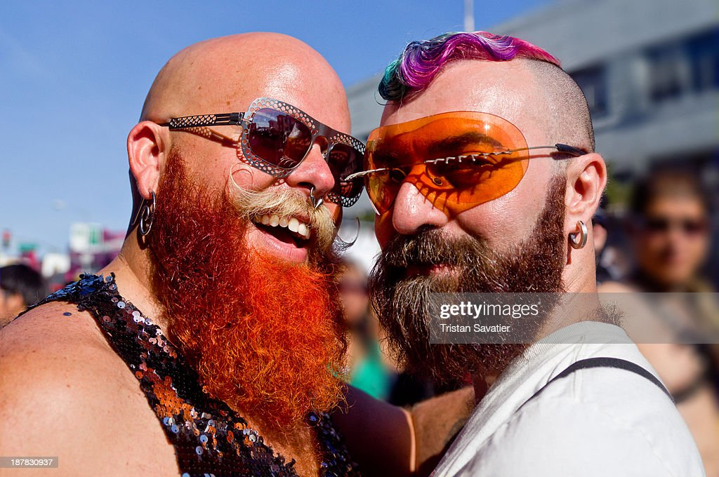 Colorful gay couple at the Folsom Street Fair : News Photo