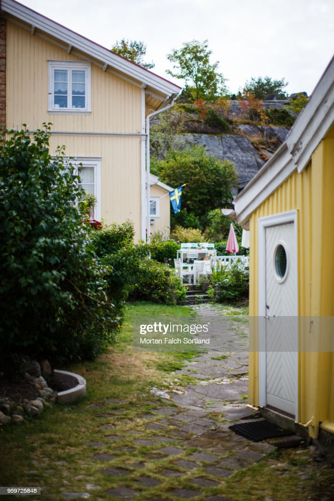 Colorful Homes in the Small City of Strömstad, Sweden Summertime : Foto de stock