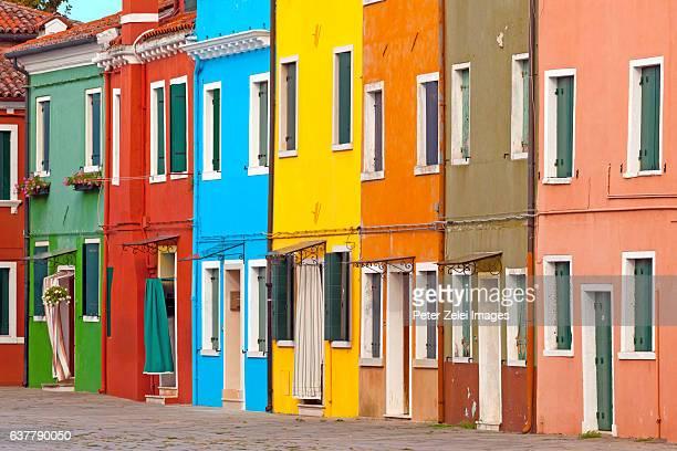 colorful houses in burano, venice, italy - burano foto e immagini stock