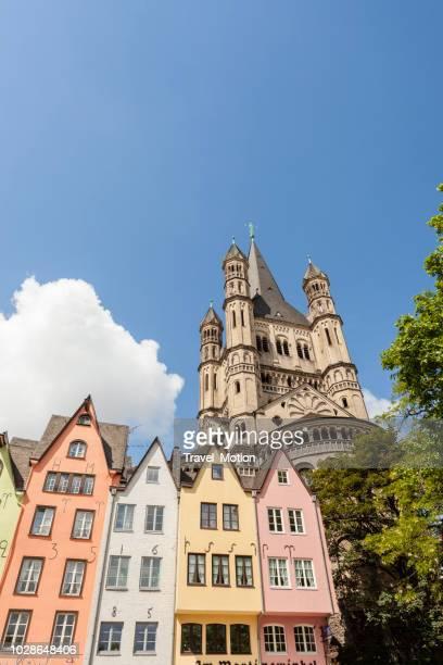 Kleurrijke huizen in Altstadt, Keulen, Duitsland