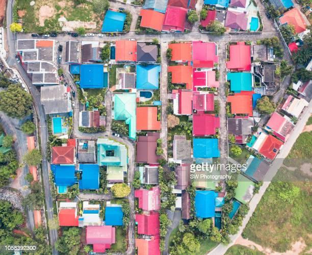 colorful houses in pattaya - provinz chonburi stock-fotos und bilder