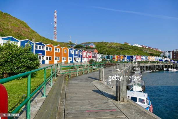 colorful houses in the harbor of helgoland - helgoland stock pictures, royalty-free photos & images