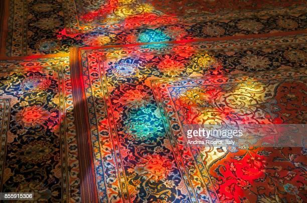 colorful persian rug, shiraz shrine, iran - persian rug - fotografias e filmes do acervo