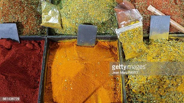 colorful spices - jean marc payet photos et images de collection