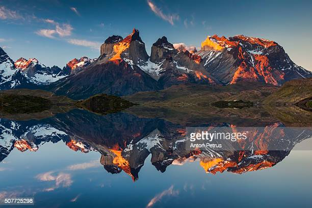 colorful sunset in torres del paine, chile - südamerika stock-fotos und bilder