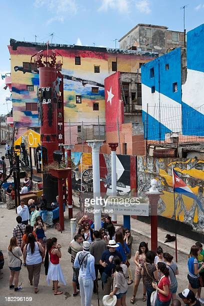 colorful walls at callejon de hamel - callejon stock pictures, royalty-free photos & images