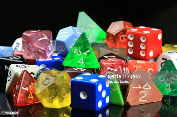 colorful wargaming hobby dice - dobbelsteen stockfoto's en -beelden