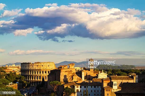 coloseum, roma - antica roma foto e immagini stock
