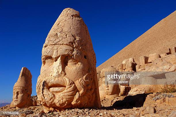 CONTENT] Colossal and enigmatic scultures scattered around a huge tumulus at the top of Nemrut Dagi This is believed to be the tomb of the 1st...