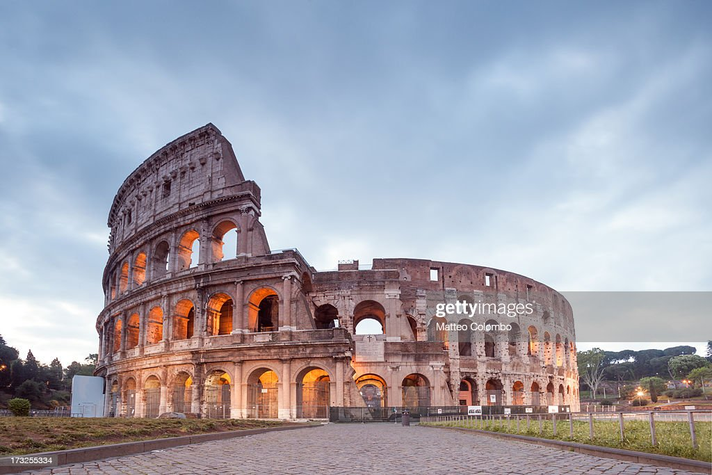 Colosseum at sunrise, Rome, Italy : Foto de stock