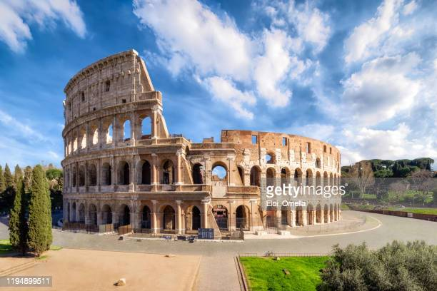colosseum in rome without people in the morning, italy - colosseum stock pictures, royalty-free photos & images