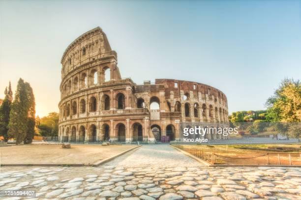 colosseum, rome - roma fotografías e imágenes de stock