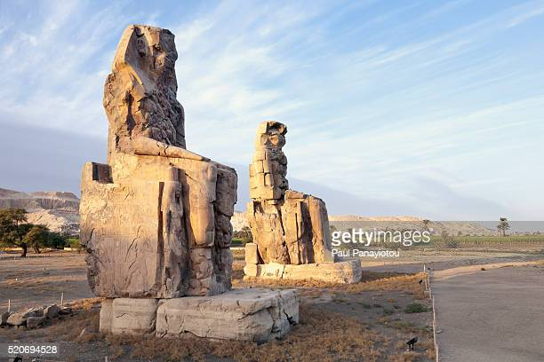 colossi of memnon, luxor, egypt - palestinian stock pictures, royalty-free photos & images