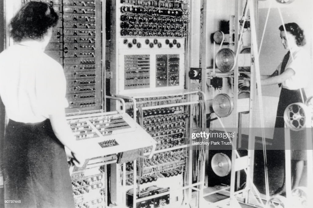 Wrens operating the Colossus computer, 1943. : News Photo
