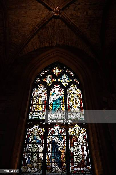 colouful stained glass window, saint giles cathedral, edinburgh, united kingdom - st. giles cathedral stock pictures, royalty-free photos & images