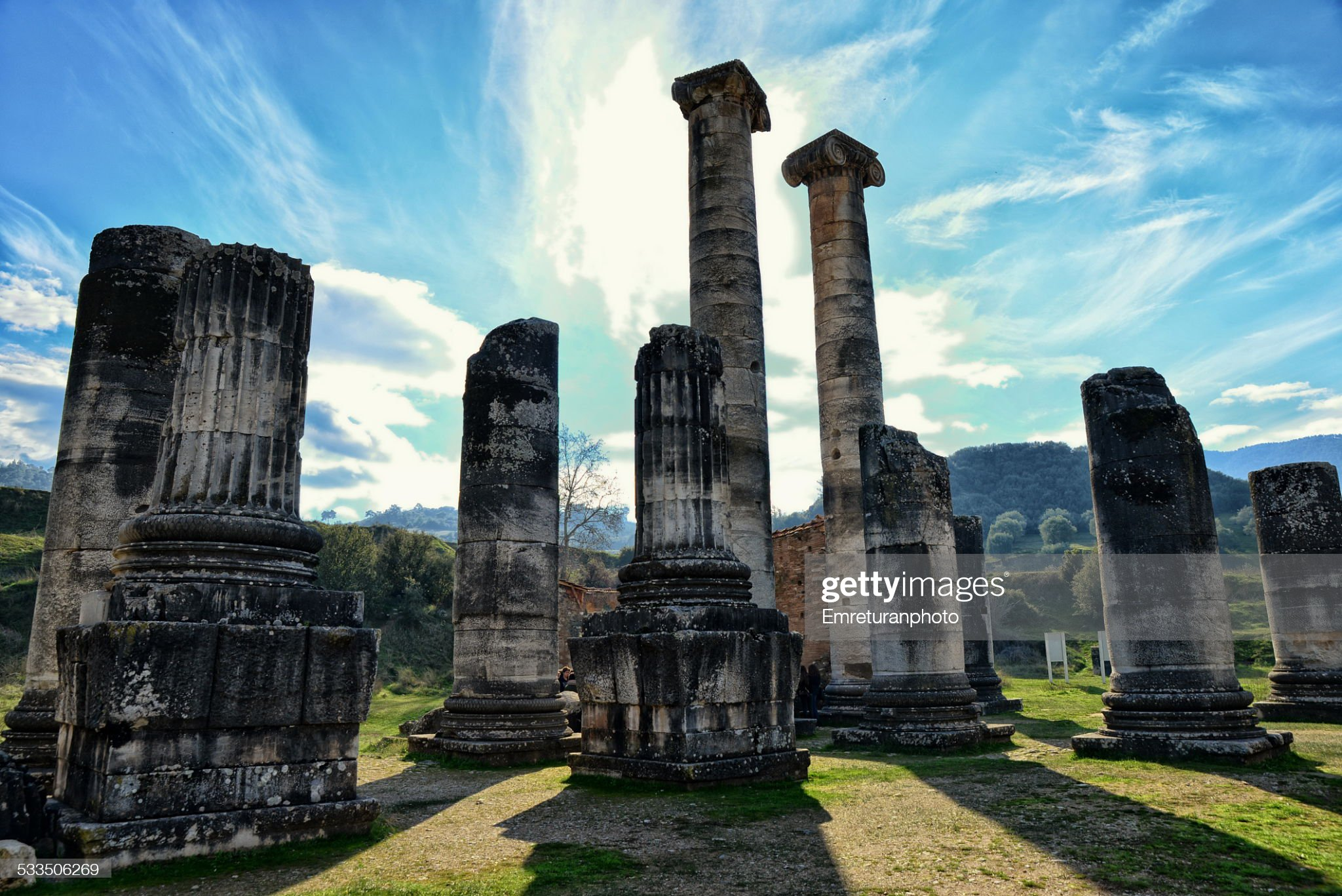 Coloumns of artemis temple,sardis,manisa : 圖庫照片