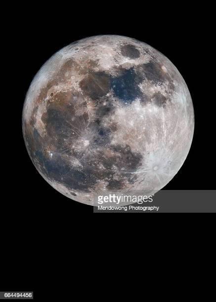 colour moon - luna llena fotografías e imágenes de stock