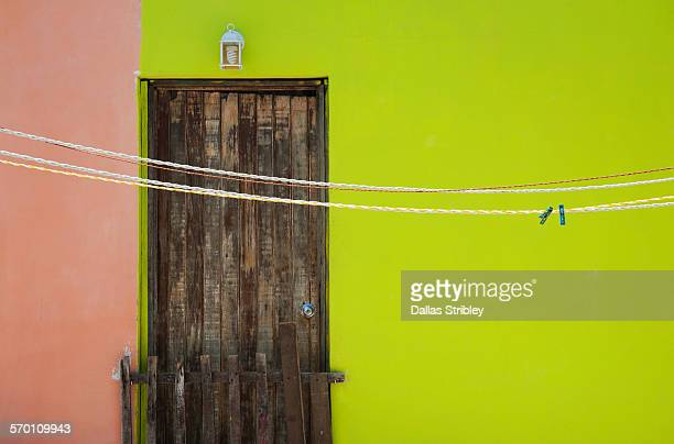 colourful abstract architectural detail with door - mujeres fotos imagens e fotografias de stock