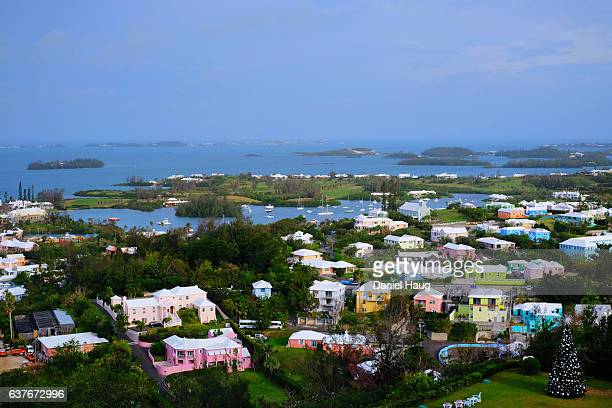 colourful bermudian homes - bermuda stock pictures, royalty-free photos & images