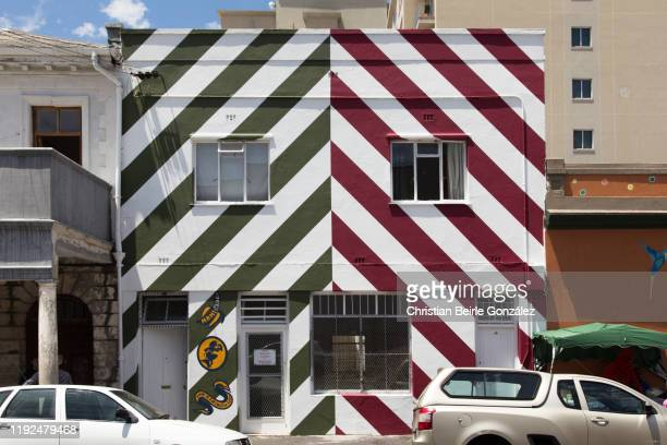 colourful facades of house of bo kaap in cape town, south africa - christian beirle stock pictures, royalty-free photos & images