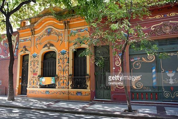 coloridas casas en buenos aires, argentina - buenos aires fotografías e imágenes de stock