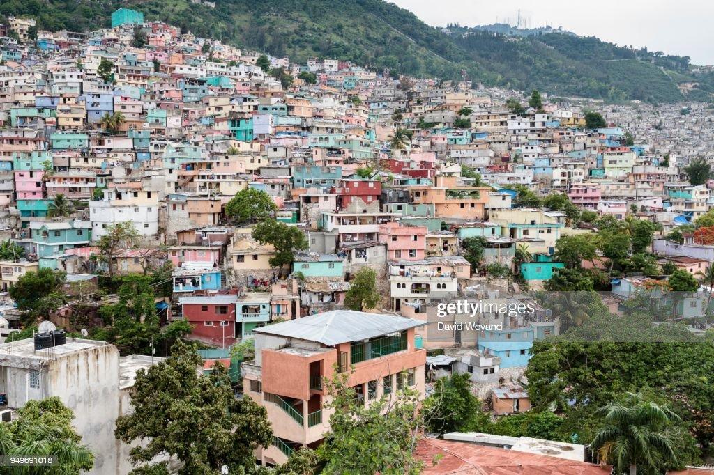 Colourful houses, slum Jalousie, Petionville, Port-au-Prince, Ouest, Haiti : Stock Photo