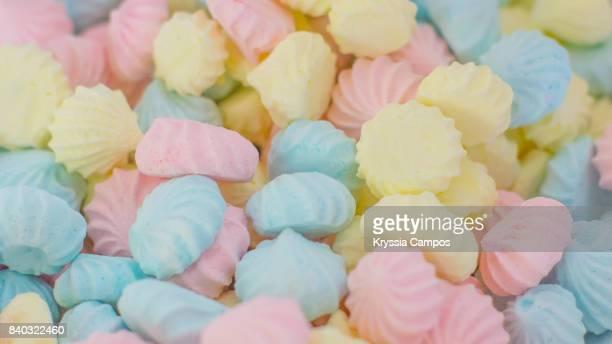 Colourful meringue dots