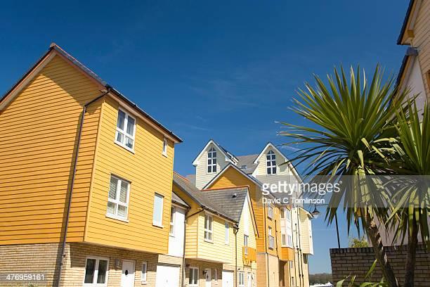 colourful modern housing, chatham, kent, england - チャタム ストックフォトと画像