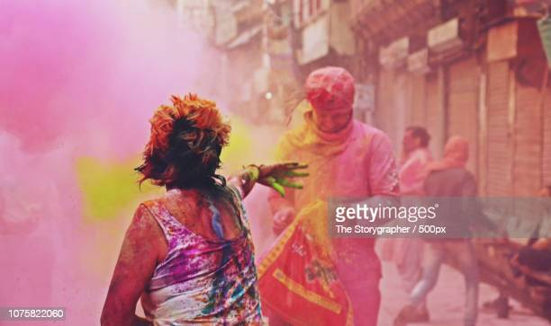 colourful streets, india - the storygrapher stock-fotos und bilder