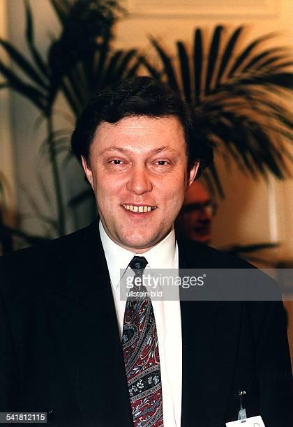 COLPolitiker RusslandFührer der DumaFraktion Jabloko undPräsidentschaftskandidat