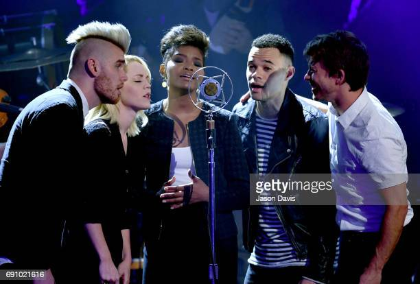 Colton Dixon Sarah Reeves Jasmine Murray Tauren Wells and Mike Donehey performs onstage with Crowder at the 5th Annual KLOVE Fan Awards at The Grand...