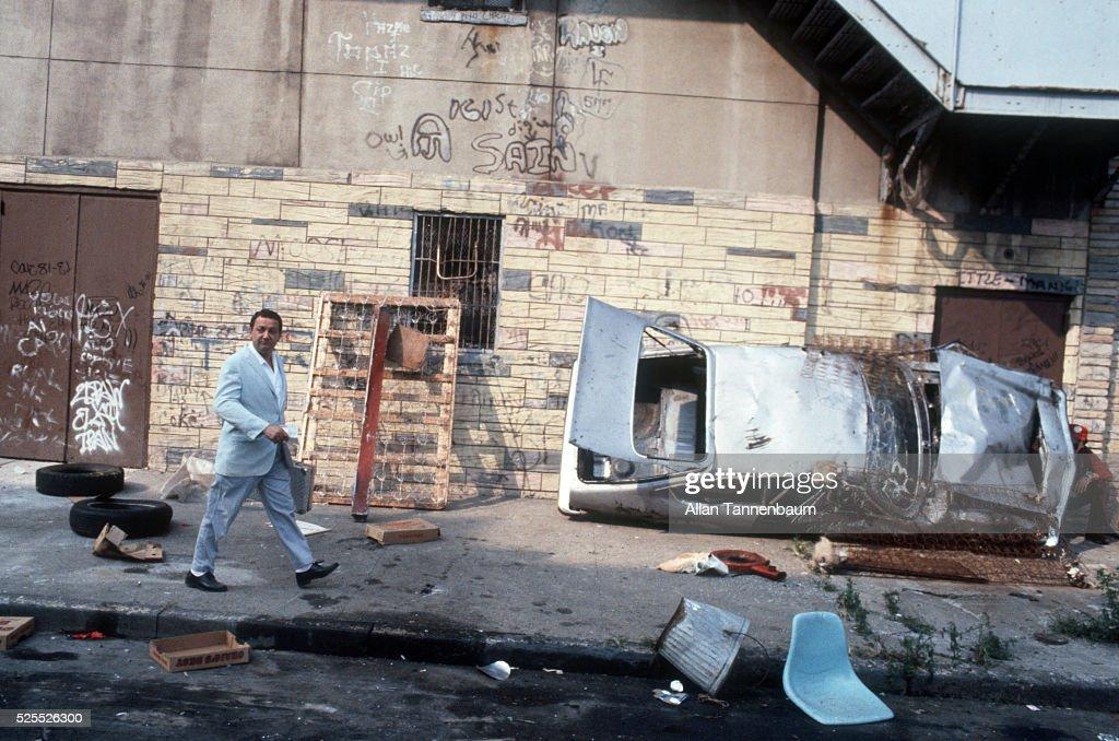 Coluche filming 'Banzai' in the South Bronx : Nachrichtenfoto