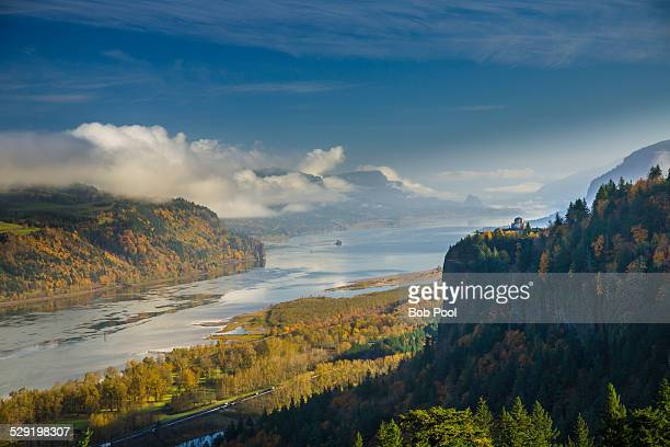 columbia river gorge in the autumn - columbia river gorge stock pictures, royalty-free photos & images
