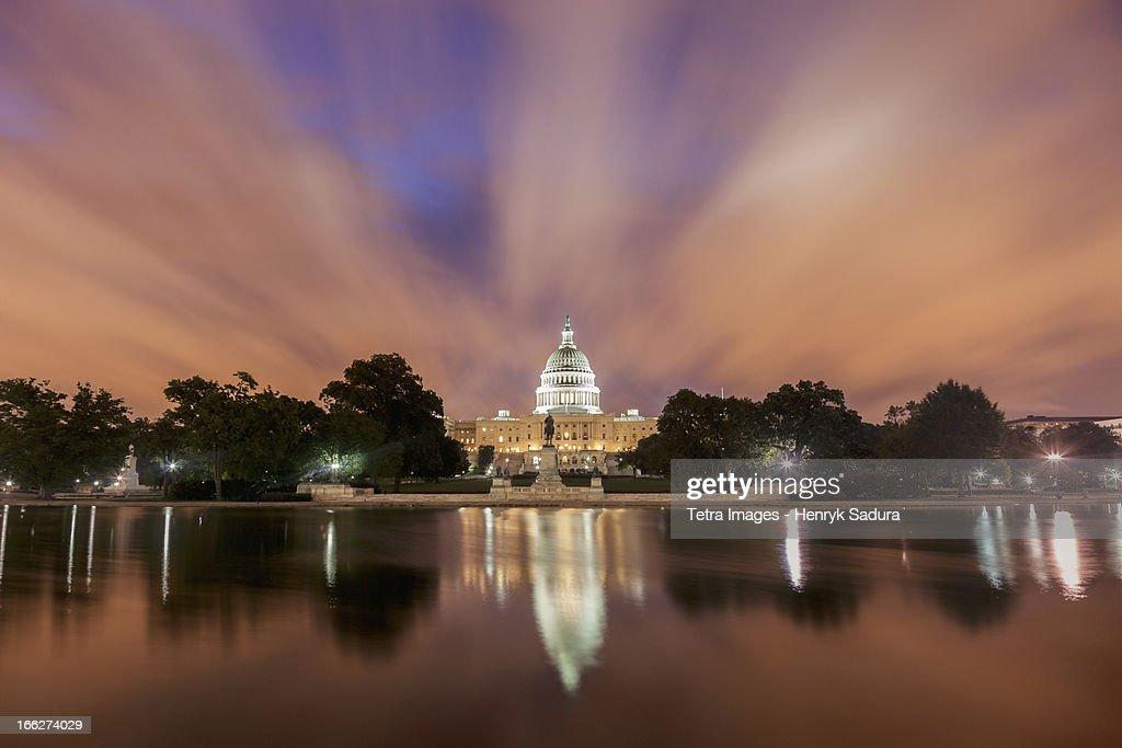 USA, Columbia, Washington DC, Capitol Building at sunrise : Stock Photo