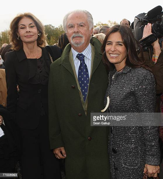 Columbian artist Fernando Botero his wife Sophia Vari and daughter Lina Botero arrive at the opening of his sculpture show Botero in Berlin at the...