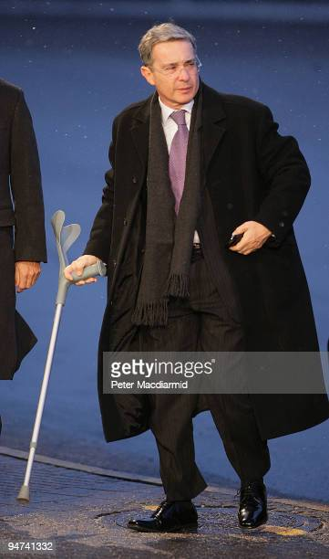 Columbian President Alvaro Uribe arrives for the final day of the UN Climate Change Conference on December 18 2009 in Copenhagen Denmark World...