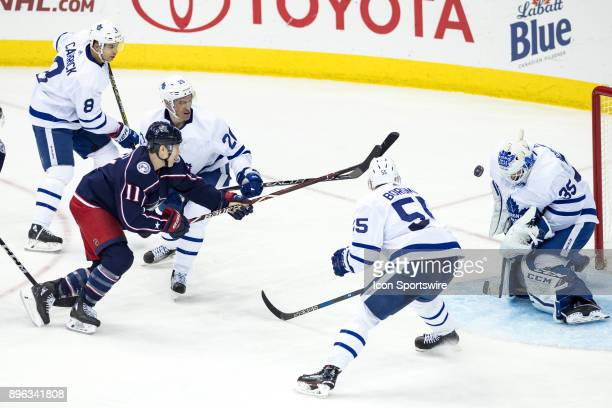 columbus blue jackets left wing matt calvert ストックフォトと画像