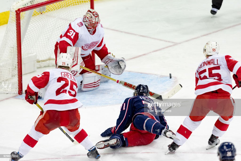 NHL: MAR 09 Red Wings at Blue Jackets : News Photo