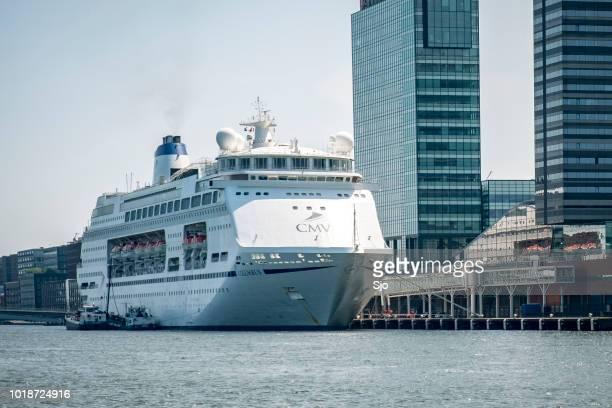 MV Columbus cruise schip de Amsterdam cruise terminal in Nederland