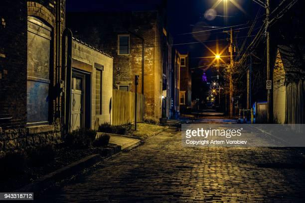 columbus german village at night - cidade pequena imagens e fotografias de stock
