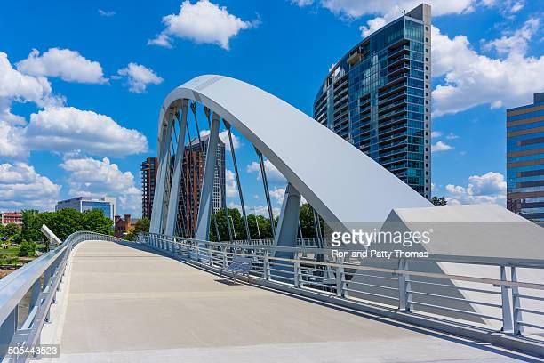 columbus skyline, ohio (p) - ohio stock pictures, royalty-free photos & images