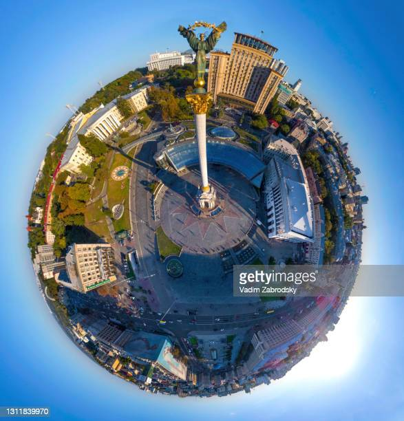 column of independence in the central square of the capital, little planet effect - kiev stock pictures, royalty-free photos & images