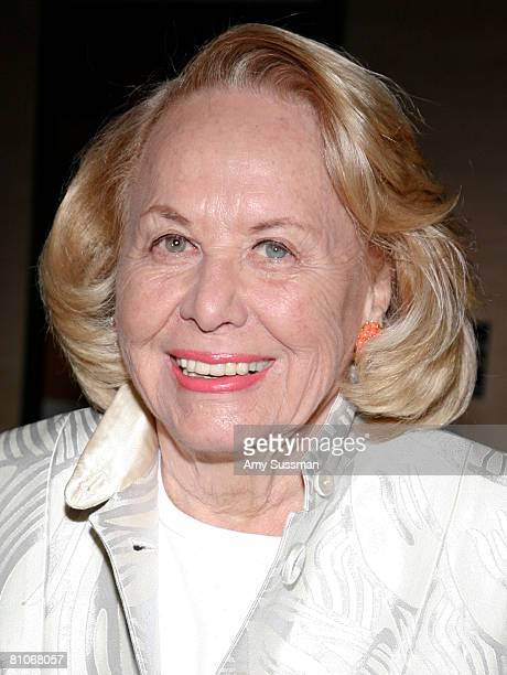 Columnist Liz Smith attends An Evening of Readings annual gala hosted by Literacy Partners at New York State Theater Lincoln Center on May 12 2008 in...