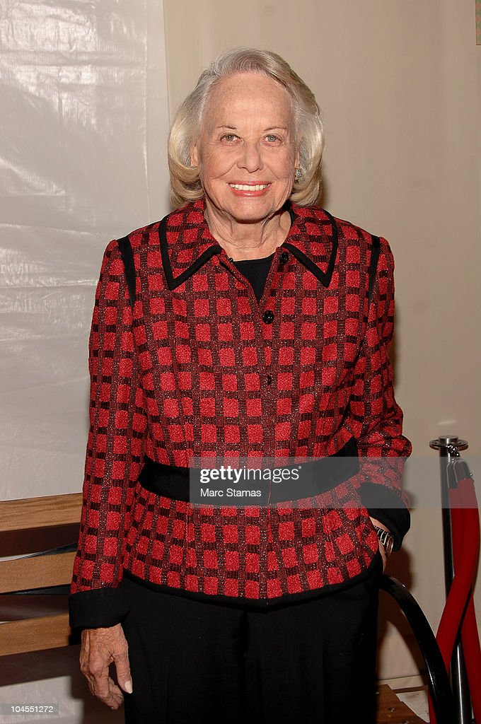 Columnist Liz Smith attends the 7th Annual Fete De Swifty benefit on September 29, 2010 in New York City.