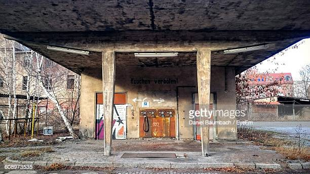 columns of old bridge against wall - thuringia stock pictures, royalty-free photos & images